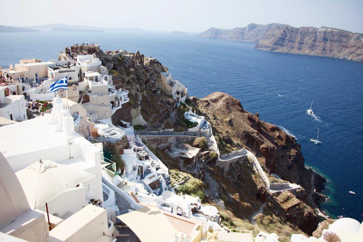 Grécia para solteiros: descubra 4 destinos perfeitos para explorar o melhor roteiro no país