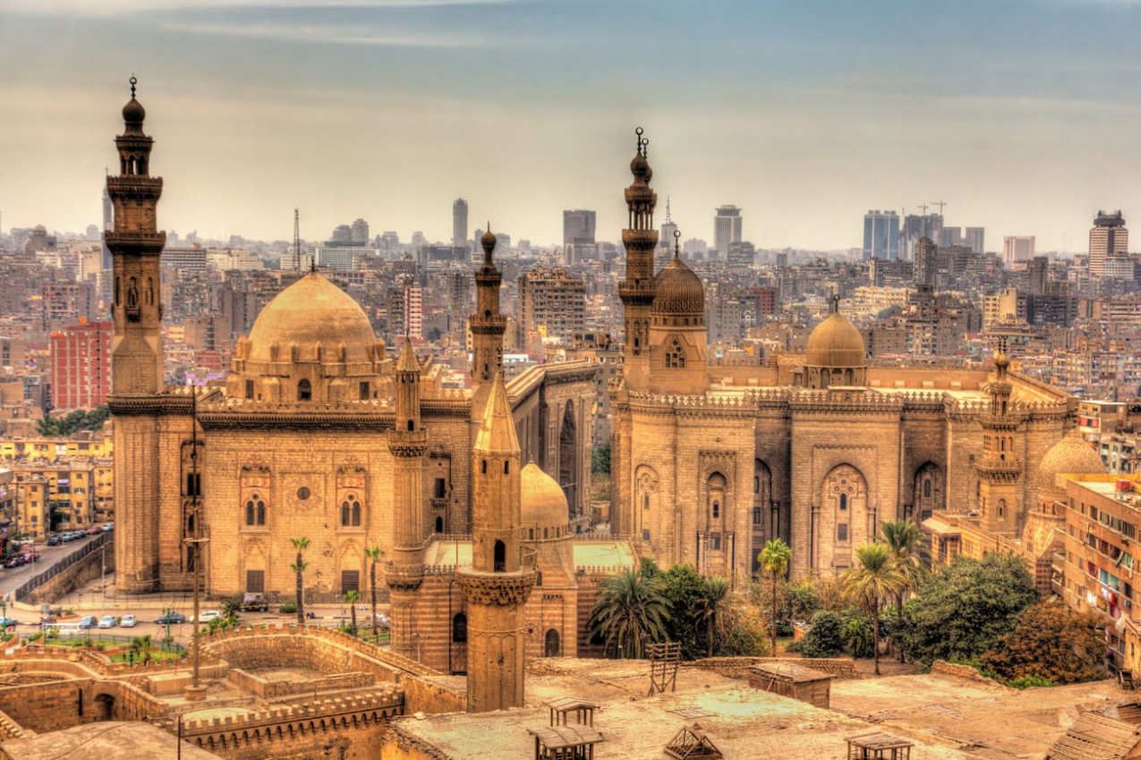 Vista das Mesquitas de Sultan Hassan e Al-Rifai, no Cairo - Egito