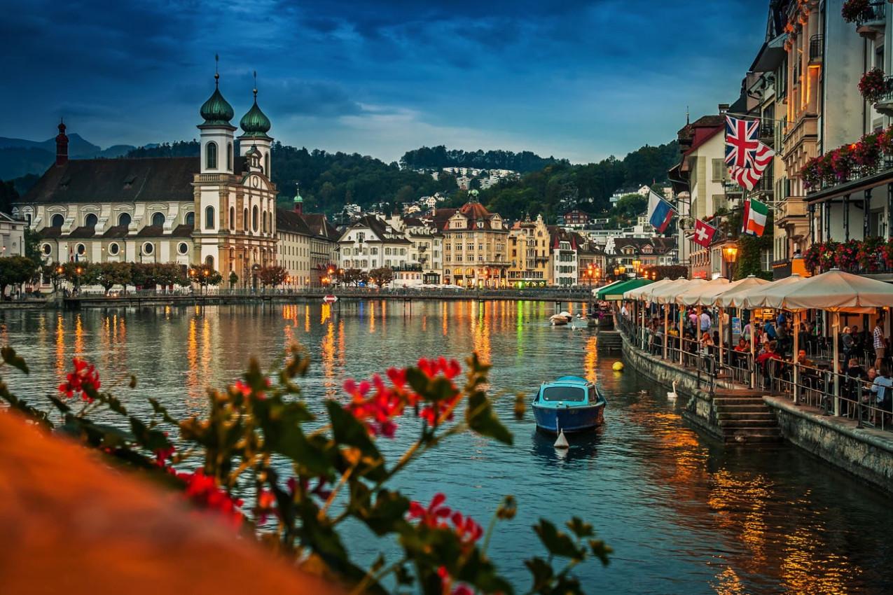 Reuss à noite, Lucerne, Suíça
