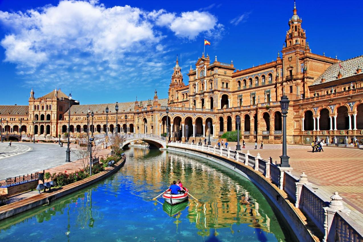 A bela Plaza de Espana, Sevilha, Espanha