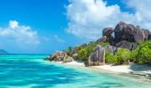 Anse Source d'Argent - rochas de granito na praia de La Digue em Seychelles