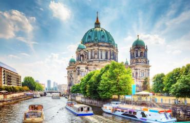 Catedral de Berlim. um marco famoso na Ilha dos Museus em Mitte - Berlim, Alemanha