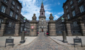 Christiansborg Palace, em Copenhagen é a sede do Parlamento dinamarquês.