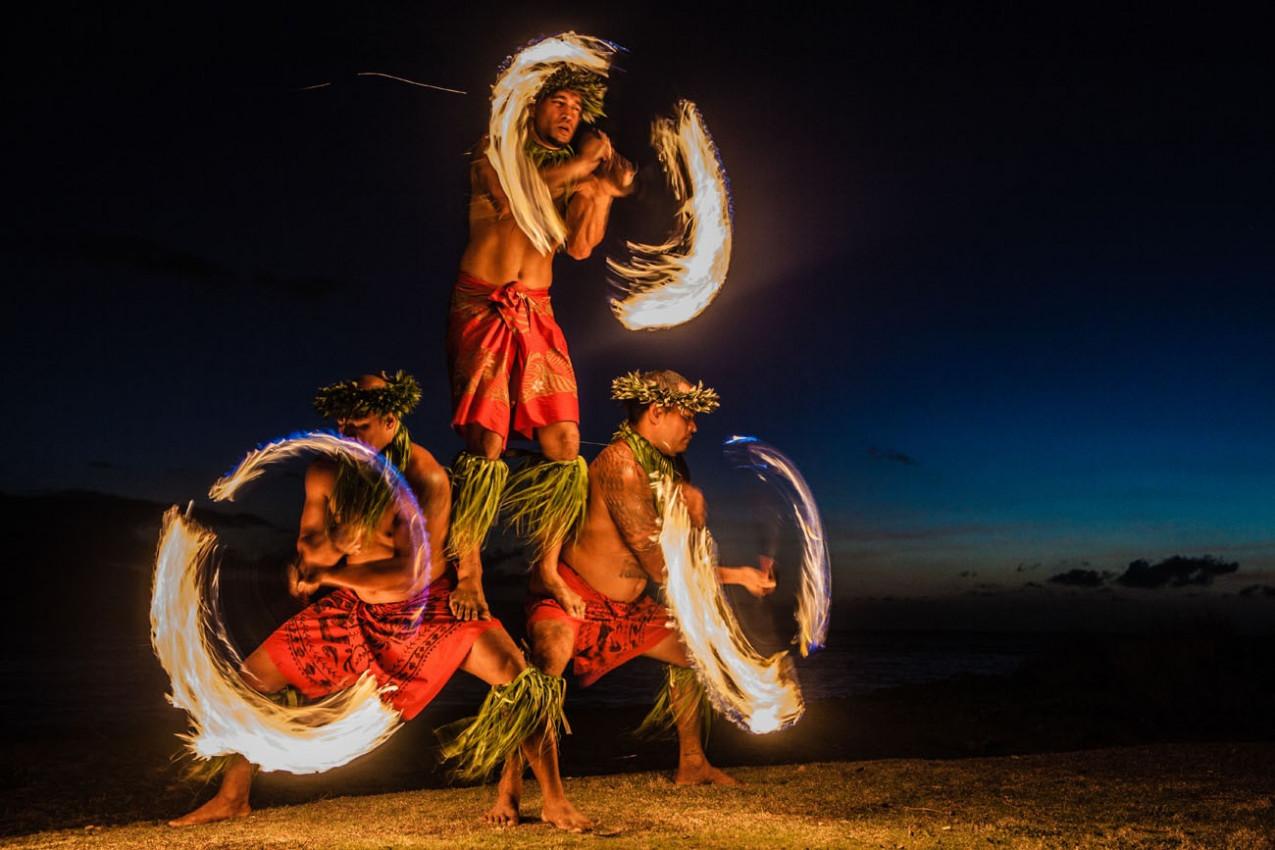 Dancarinos do fogo no Havaii