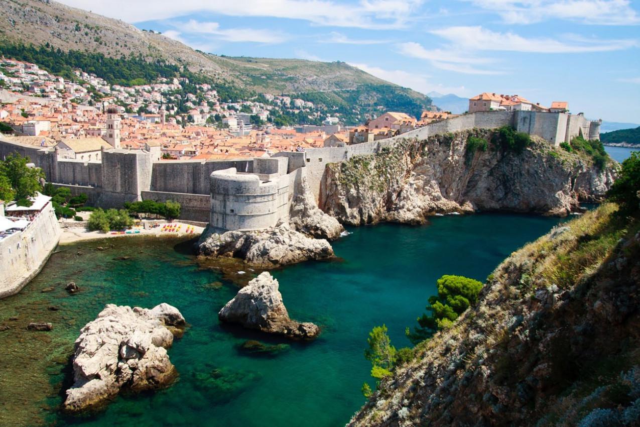 Dubrovnik vista panorâmica sobre muros da cidade