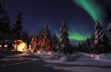 Luzes da Aurora Boreal no norte da Laponia
