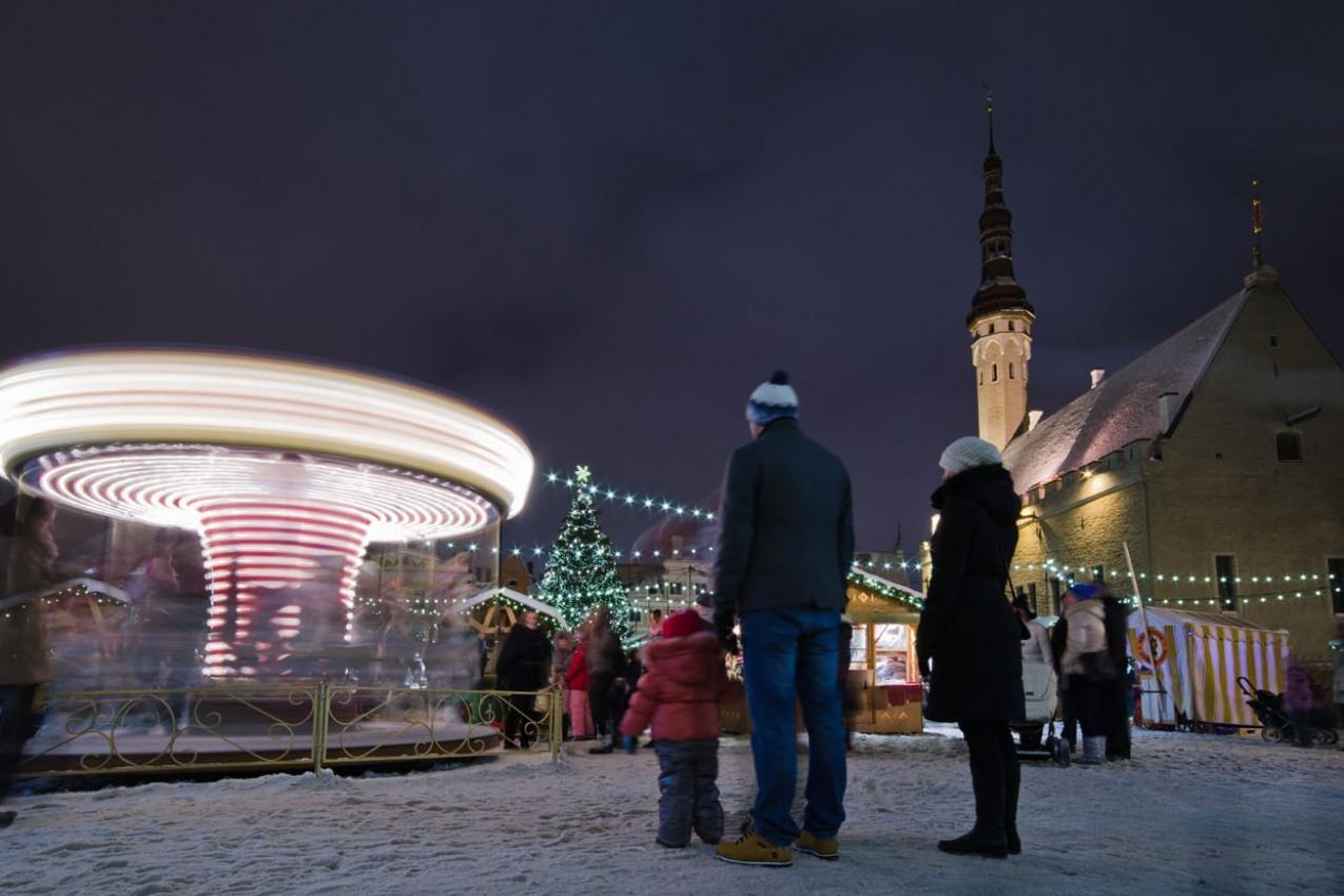 O Mais antigo Mercado de Natal com uma longa história remonta de 1441 -Tallinn, Estônia.