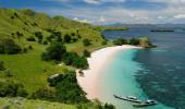 Parque Nacional de Komodo - isladnds paraíso para o mergulho e a exploração. O destino turístico mais popular na Indonésia, Nusa Tenggara.