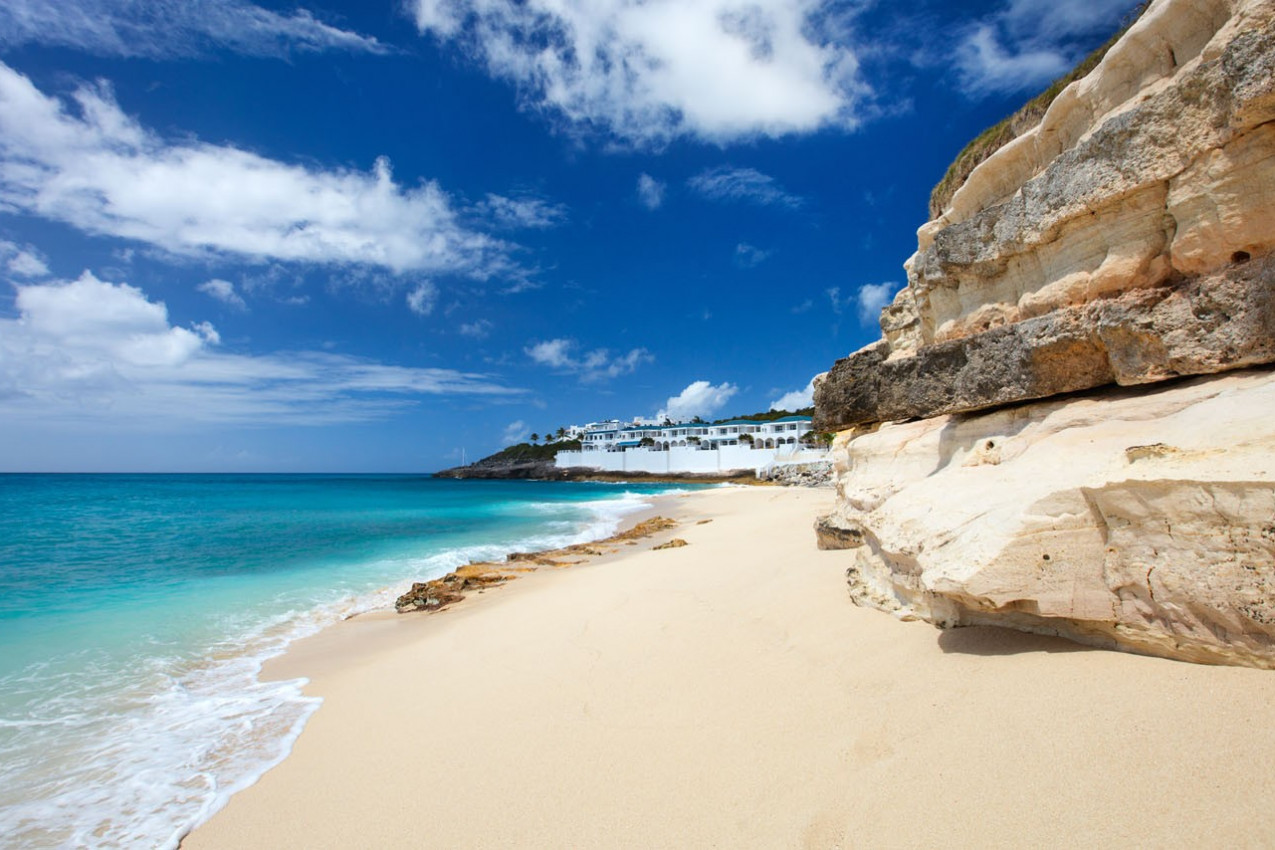 Sandstone cliffs at beautiful Cupecoy Beach on Sint Maarten