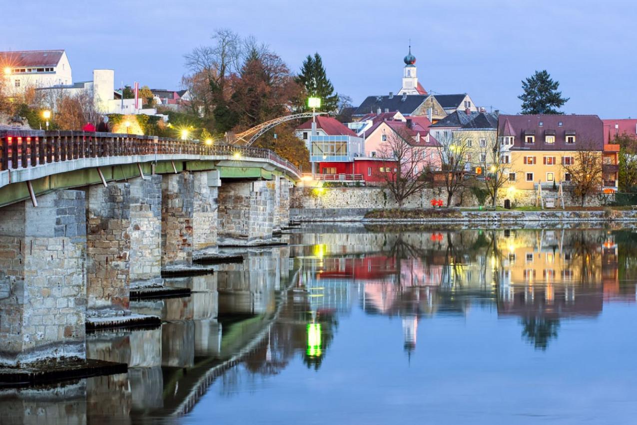 Schaerding pitoresca cidade de fronteira germano-austríaca