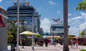 ST.MAARTEN, PHILIPSBURG - Cruise ship at St.Maarten, Philipsburg