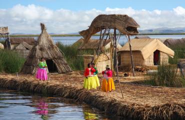 é o maior lago da América do Sul eo lago navegável mais alto do mundo